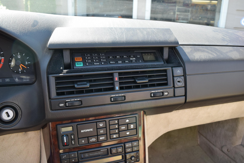 R129 Dash phone
